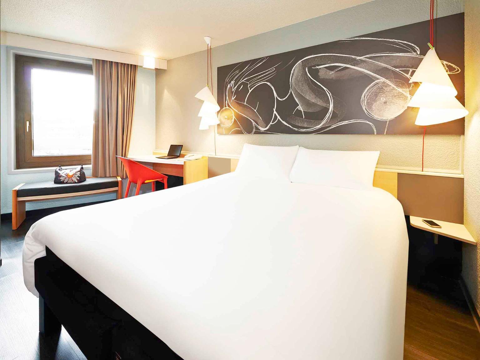 ibis strasbourg centre historique h tel 7 rue de molsheim 67000 strasbourg adresse horaire. Black Bedroom Furniture Sets. Home Design Ideas