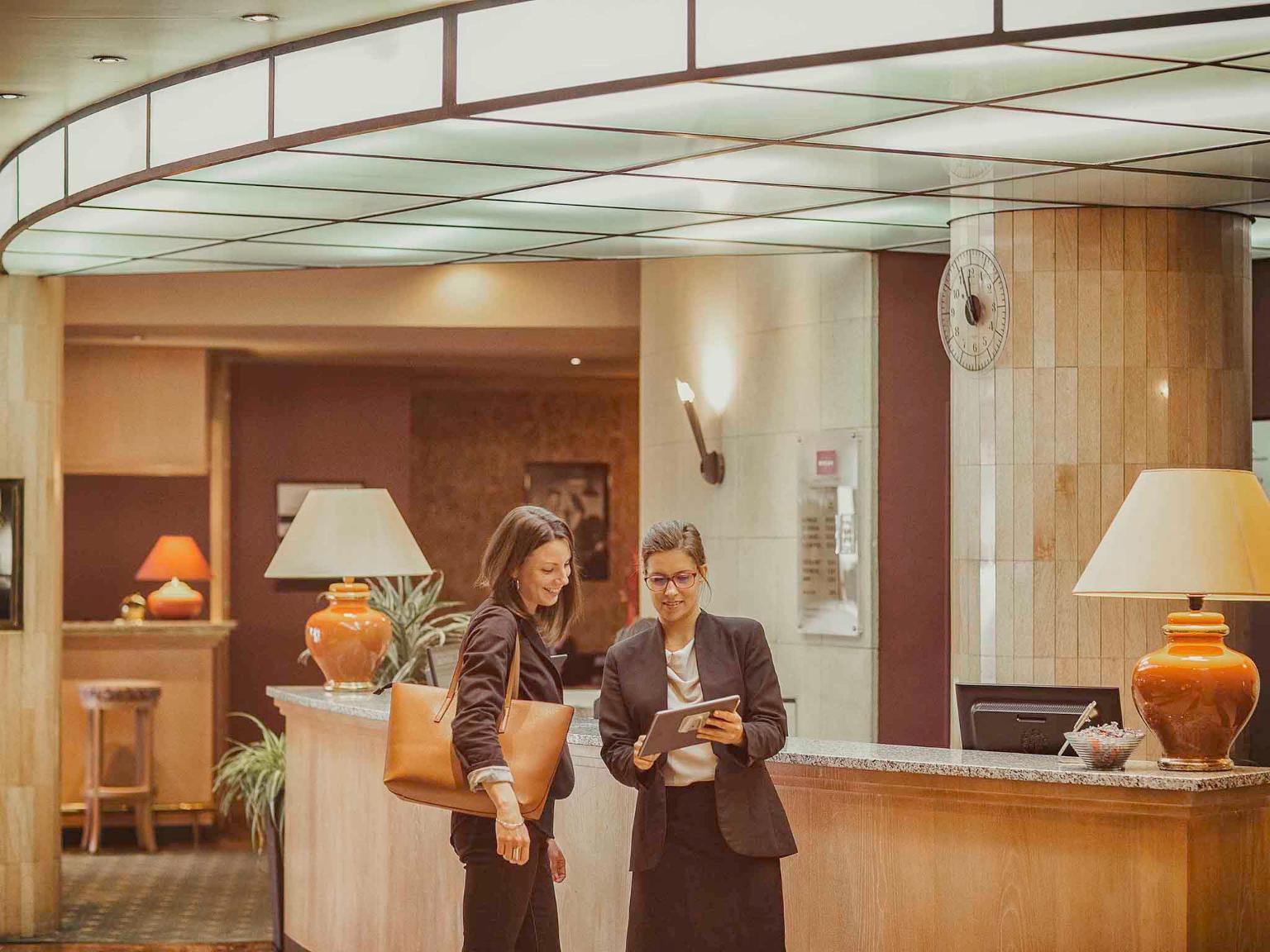 h tel mercure limoges royal limousin h tel place de la r publique bp 280 cedex 1 87000. Black Bedroom Furniture Sets. Home Design Ideas