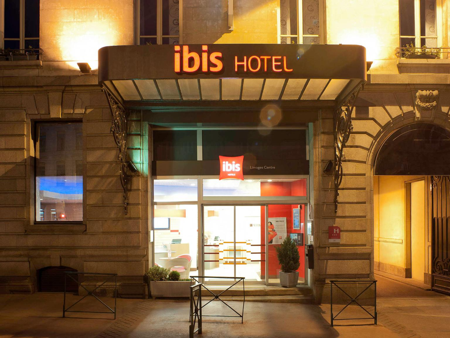 Ibis limoges centre h tel 6 boulevard victor hugo 87000 for Appart hotel ibis