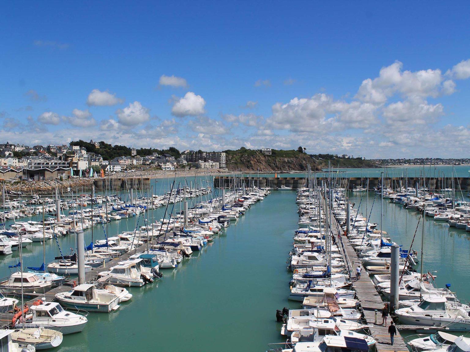 Ibis granville port de plaisance h tel port de plaisance rue des isles 50400 granville - Port de plaisance le crouesty ...