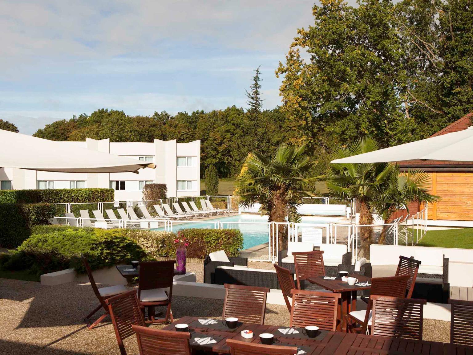 Novotel fontainebleau ury h tel route nationale 152 - Hotel fontainebleau piscine ...