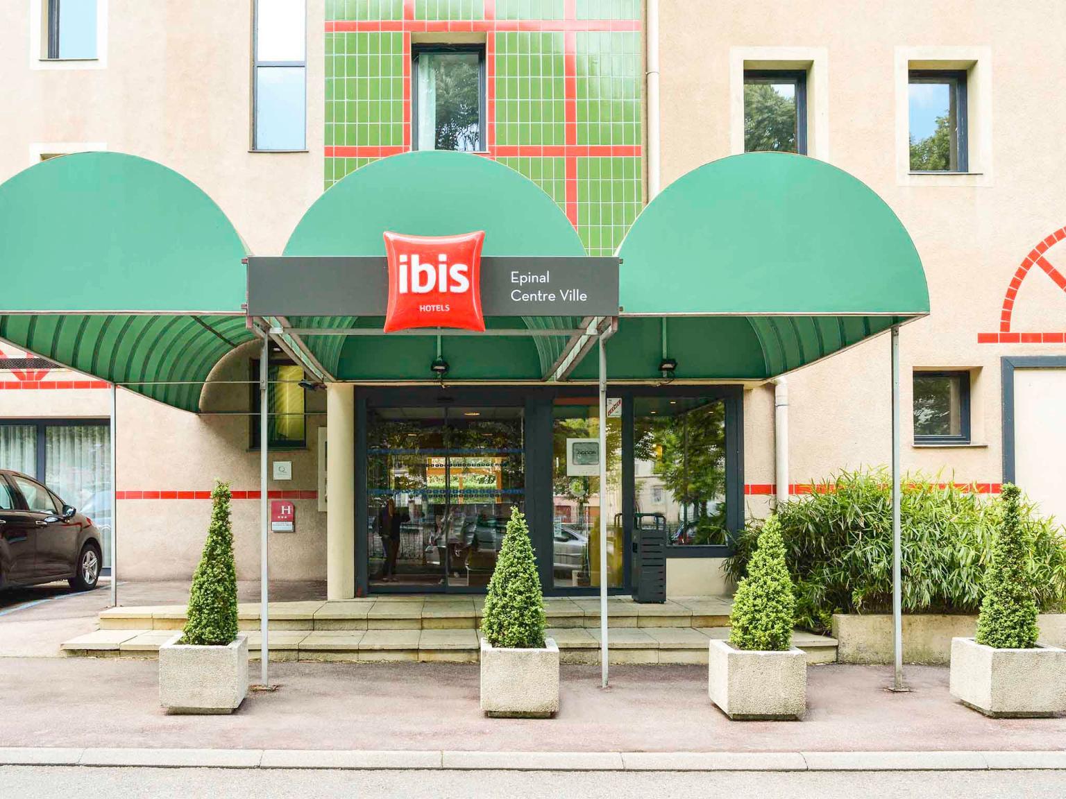 Ibis epinal centre ville h tel 21 quai marechal de for Horaire piscine epinal