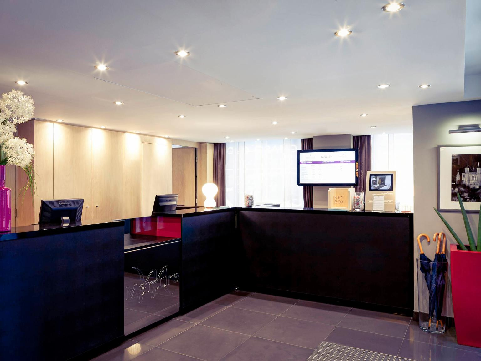 H tel mercure lyon centre plaza r publique h tel 5 rue for Hotels 69002 lyon