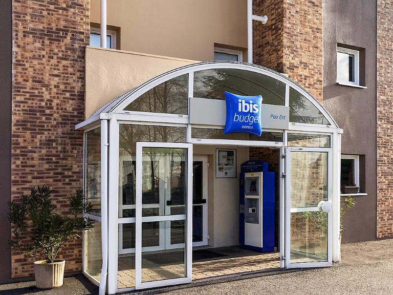 ibis budget Pau Est - Hôtel, Boulevard de l'Aviation 64000 ...