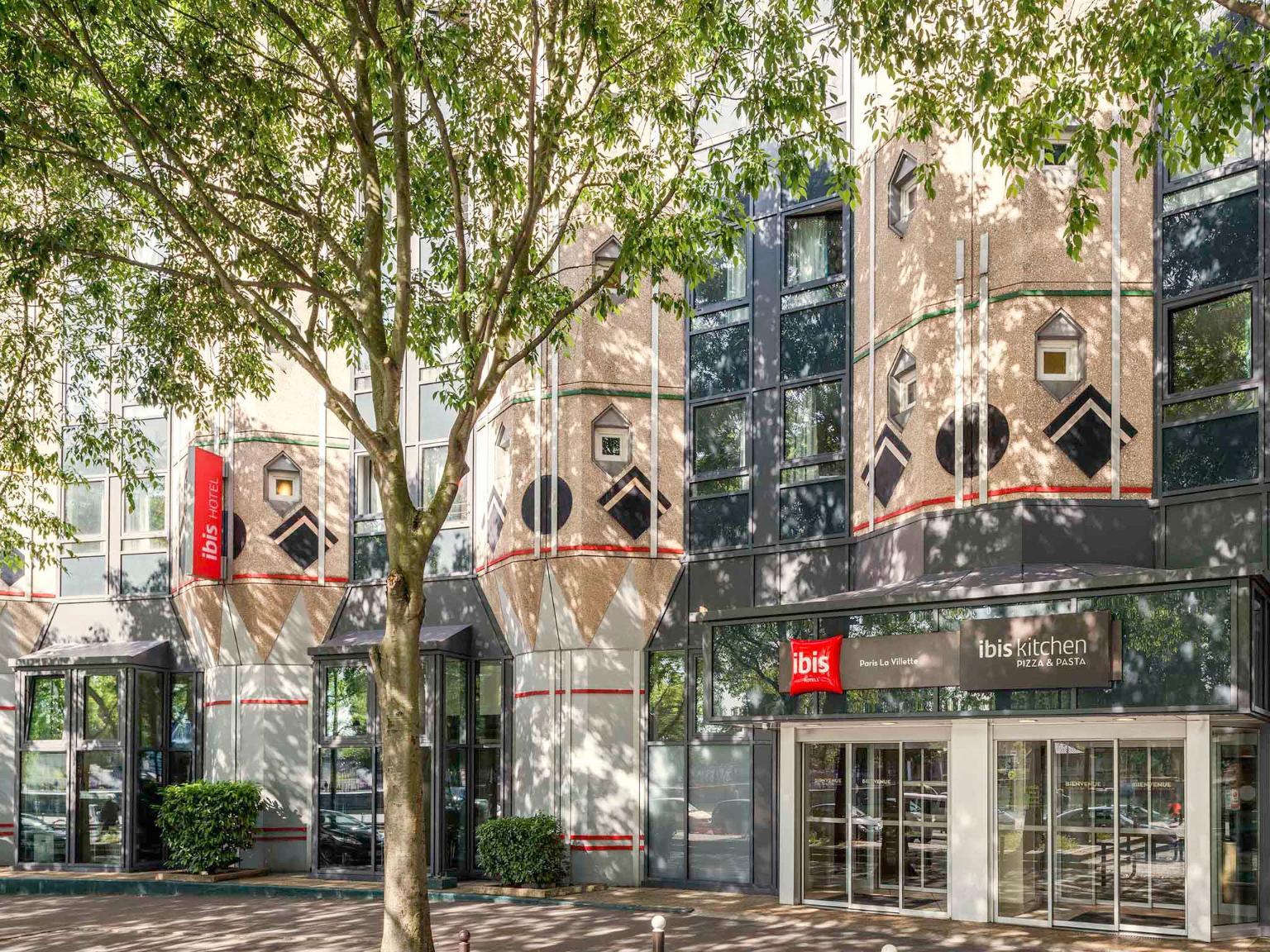Hotel Ibis Paris La Villette Cite Des Sciences  Ef Bf Bdme