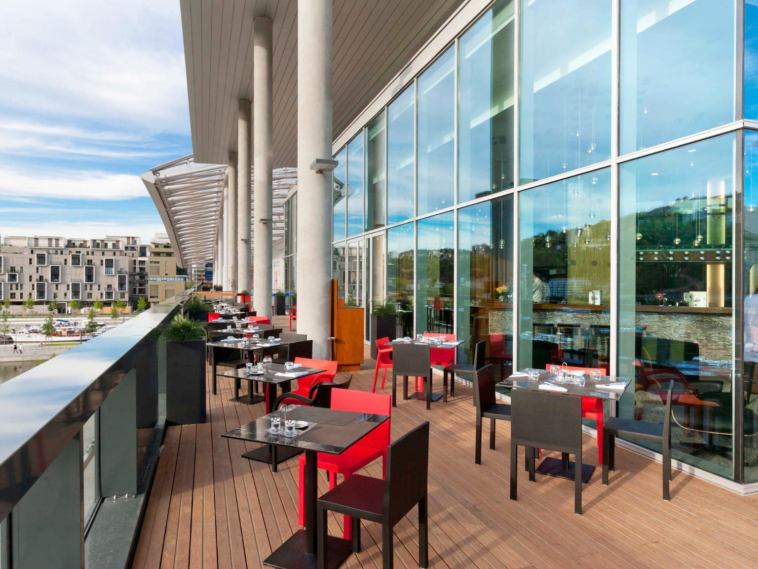 Novotel lyon confluence h tel 3 rue paul montrochet for Hotels 69002 lyon