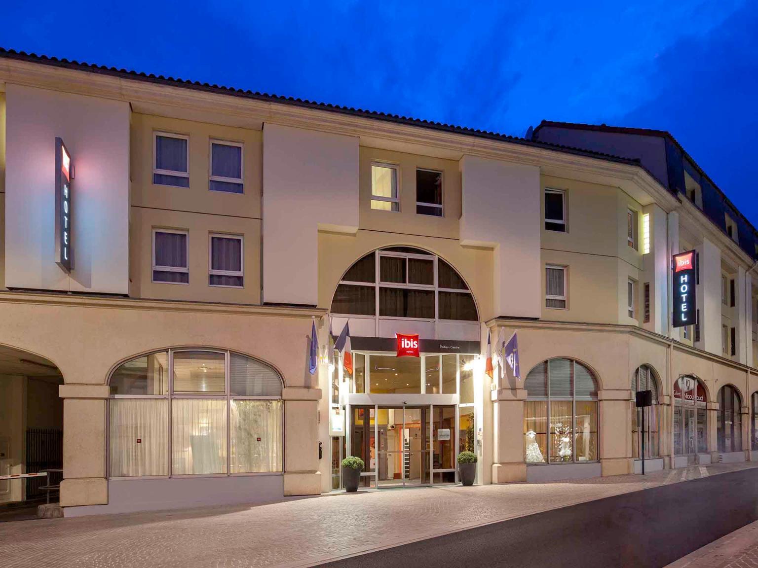 Ibis poitiers centre h tel 15 rue du petit bonneveau for Horaire piscine poitiers