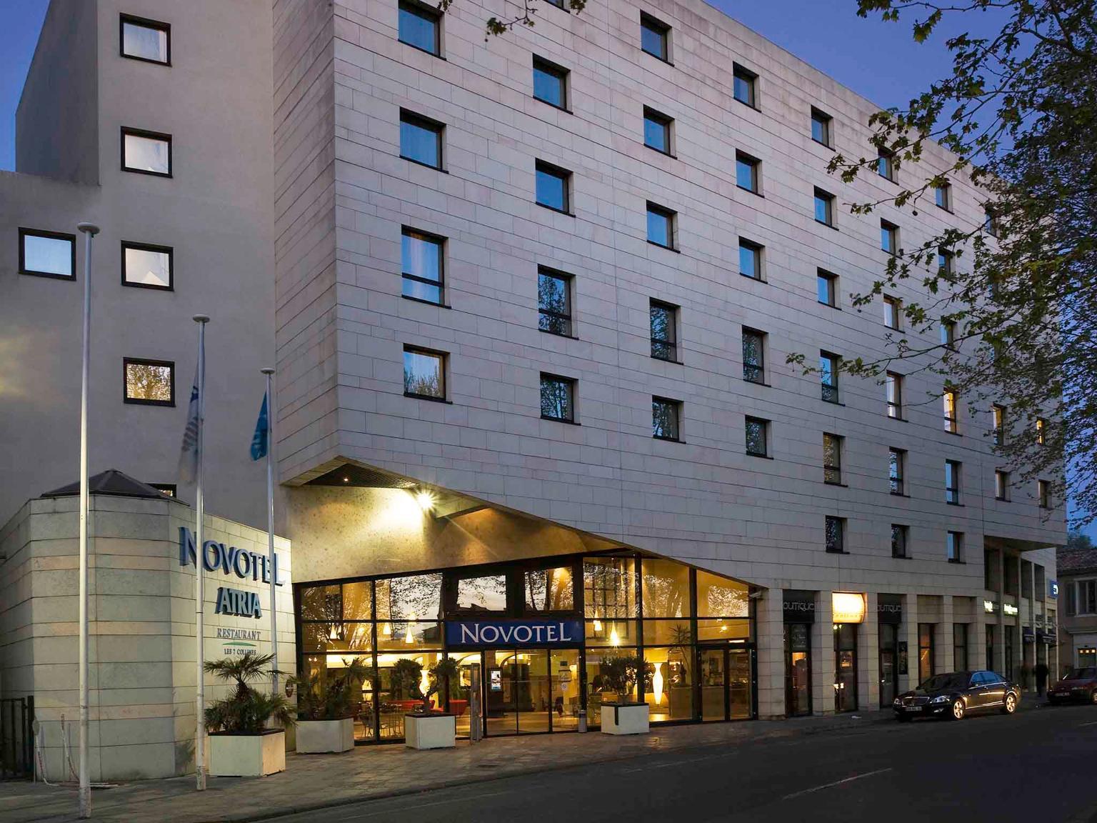 Novotel atria n mes centre h tel 5 boulevard de prague for Centre claude robillard piscine horaire