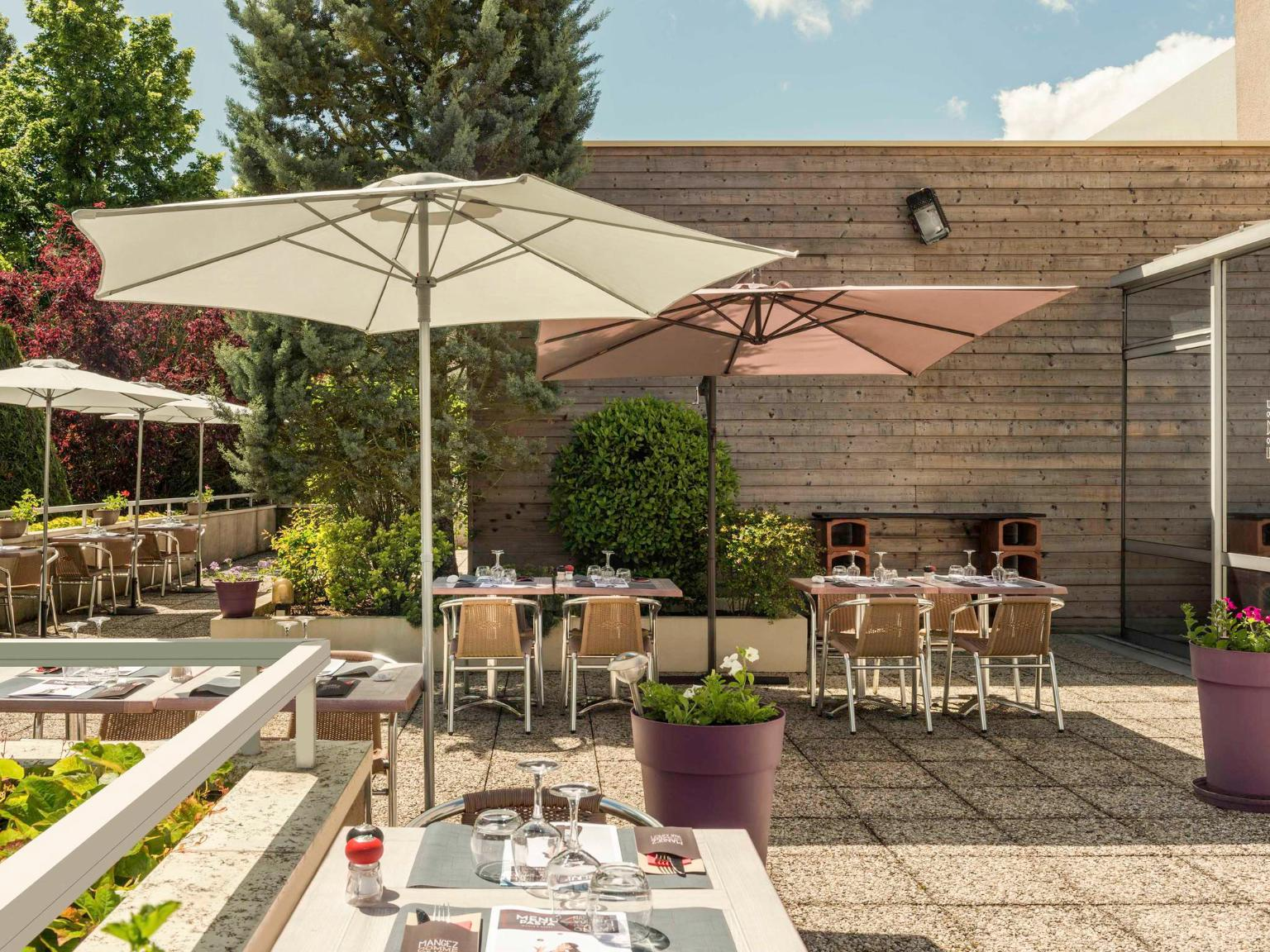 Ibis chartres centre cath drale h tel 14 place - Horaires piscine chartres ...