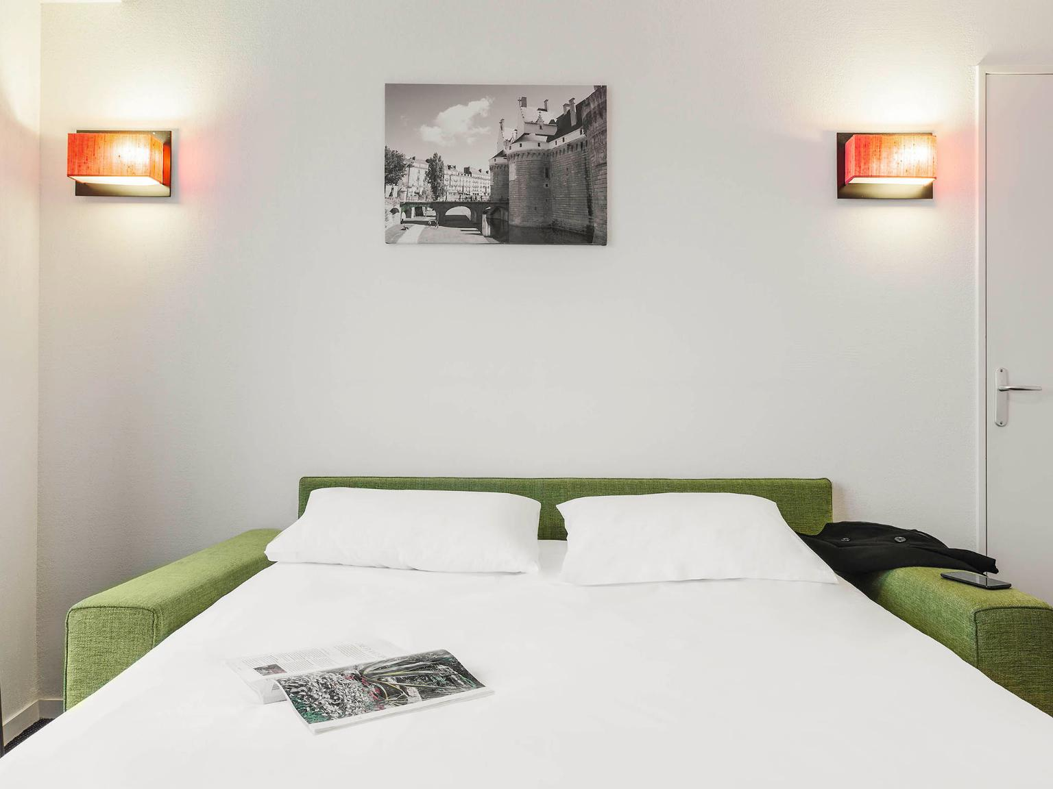 Aparthotel adagio access nantes viarme h tel 42 rue for Aparthotel nantes