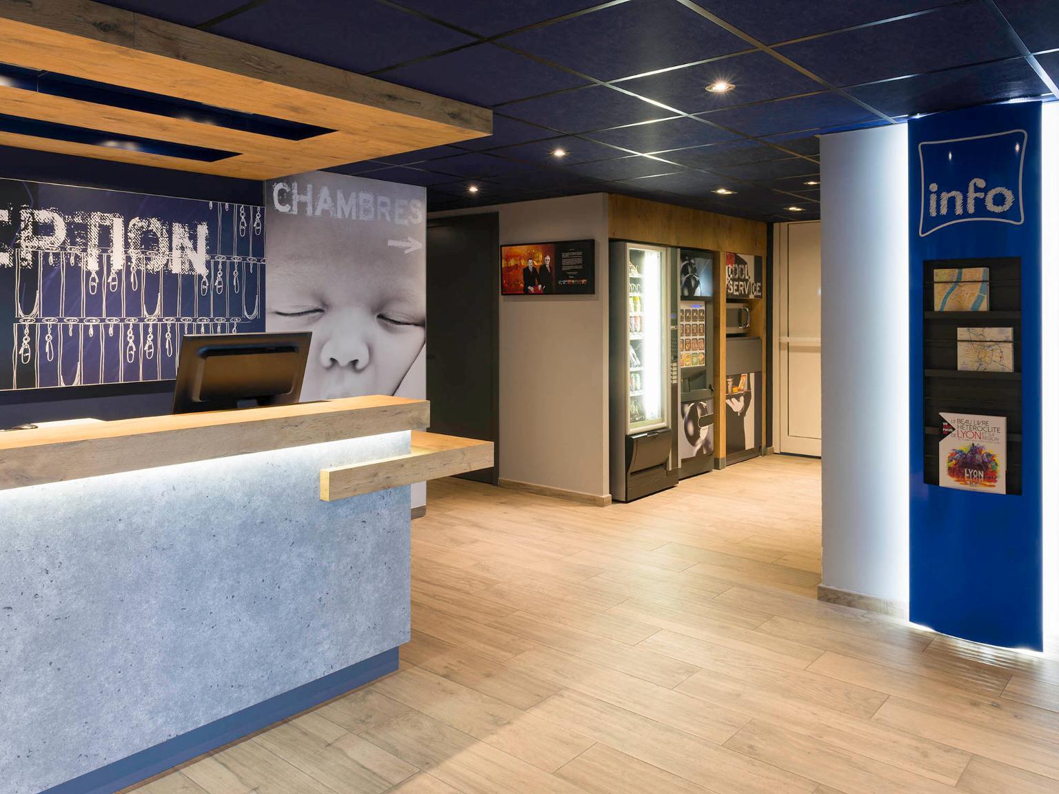 Ibis budget lyon confluence h tel 24 quai perrache for Hotels 69002 lyon