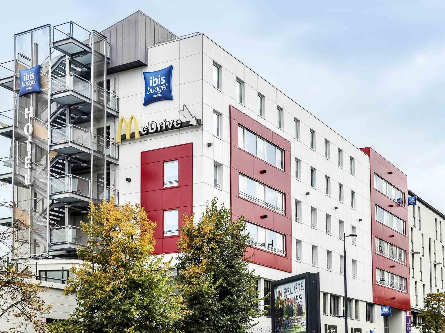 Ibis budget paris porte de vanves h tel 110 rue jean bleuzen 92170 vanves adresse horaire - Conforama porte de vanves ...